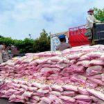 Beras 10 ton di Mapolres Tuban untuk warga terdampak corona