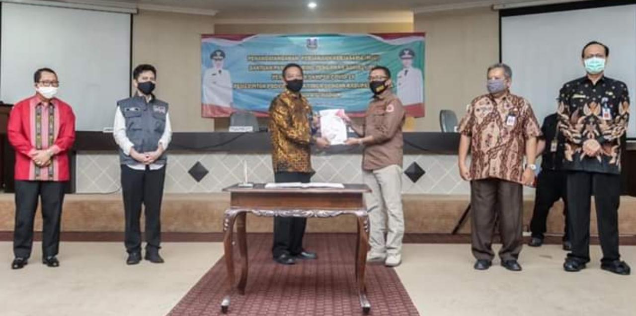 Pemkot Madiun Terima Paket Sembako dan Masker dari Telkom