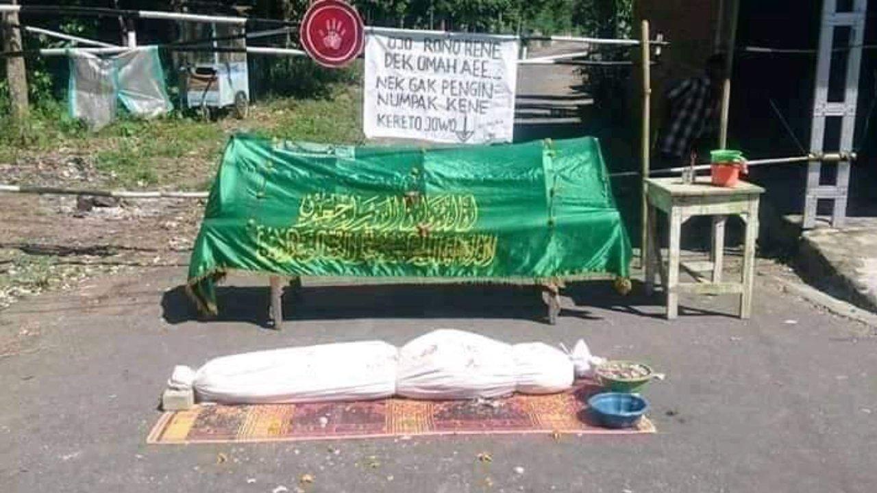Jalan Melon Dusun Tondomulyo ditutup
