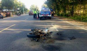 Motor terbakar usai menabrak pejalan kaku hingga meninggal di tuban