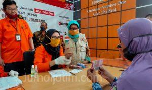 Bupati Jombang Launching BST Kemensos Untuk Warga Terdampak COVID-19