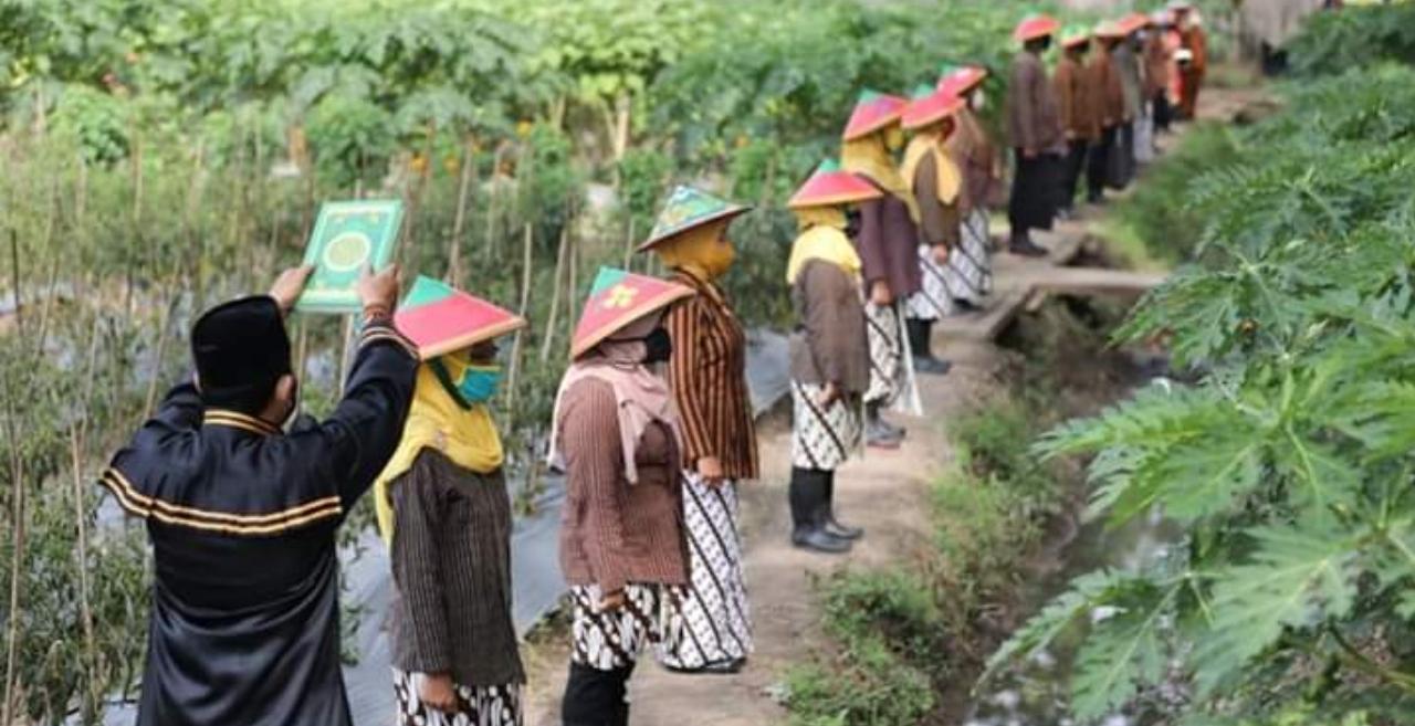 Pandemi COVID-19, Wali Kota Madiun Lantik 16 Kasek di Areal Perkebunan