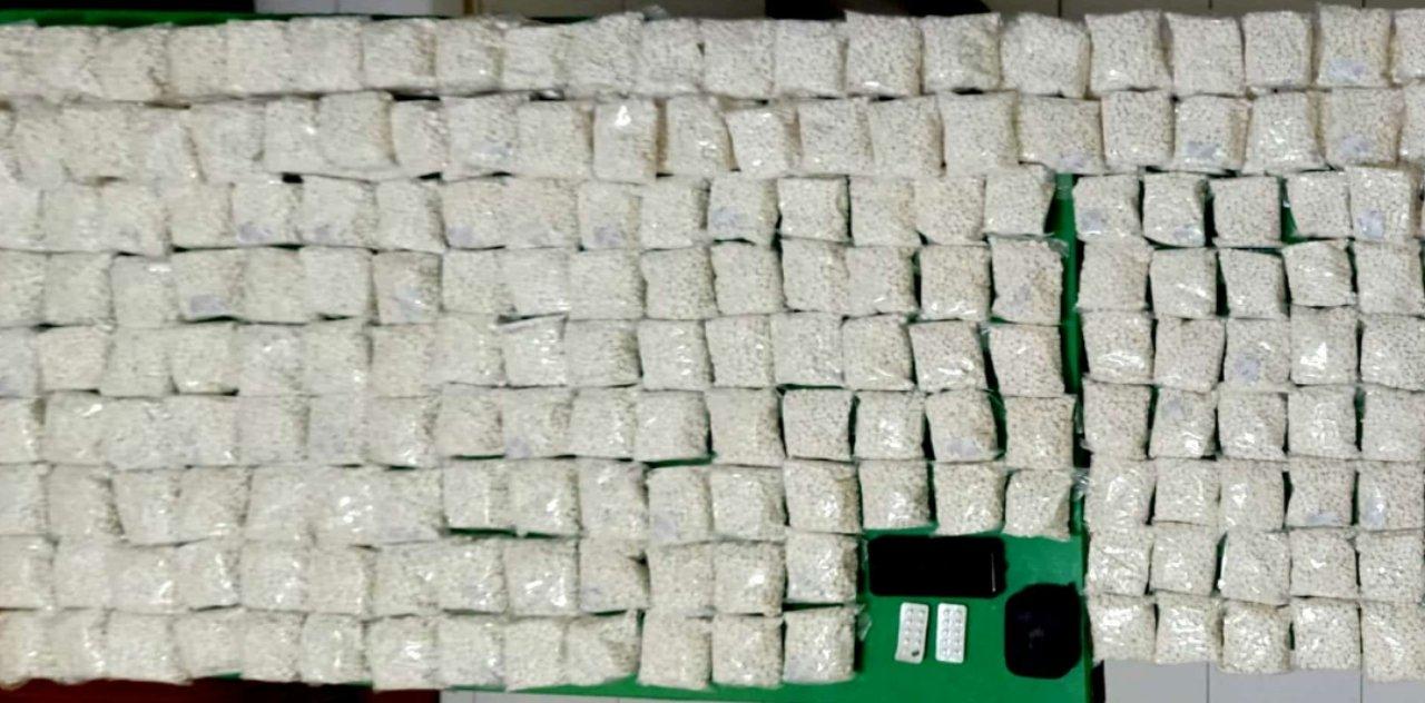 Sebanyak 250000 butir pil dobel L diamankan polisi