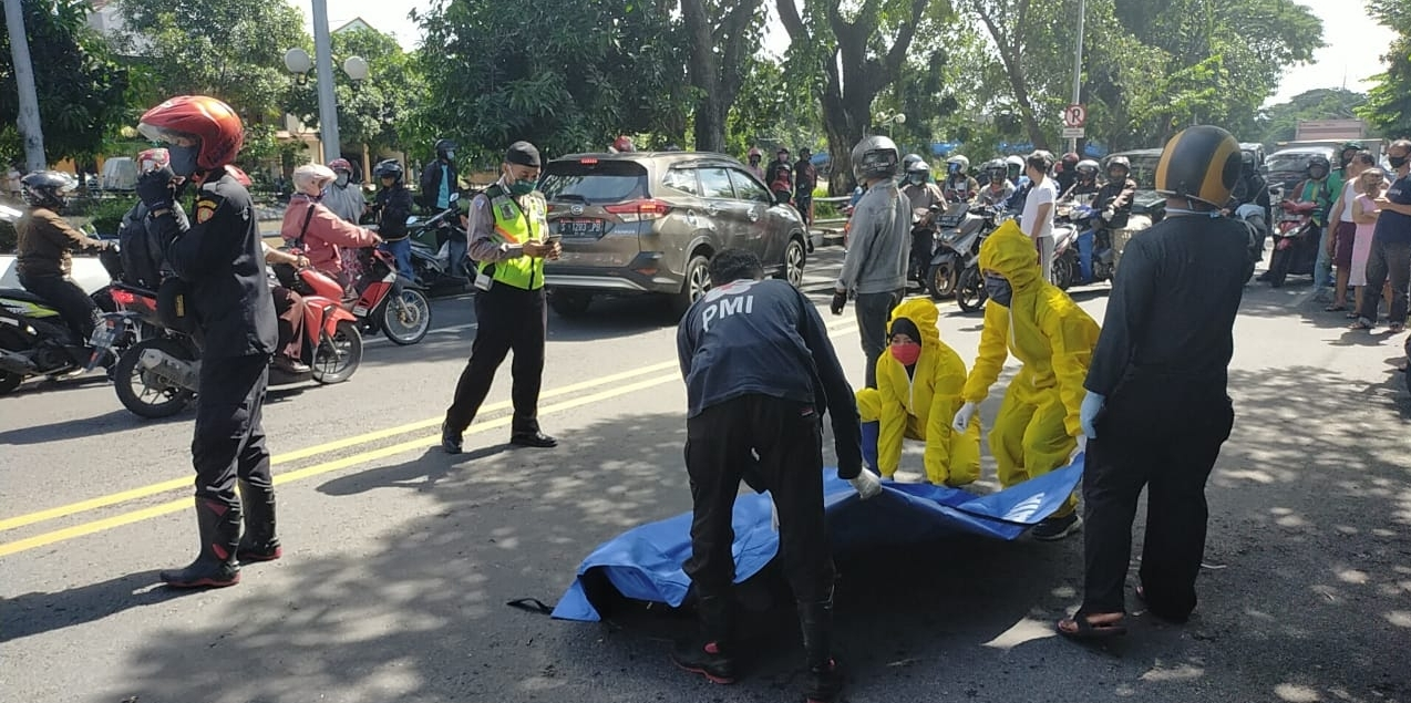 Bersenggolan, Pengendara Motor di Ngagel Surabaya Tewas