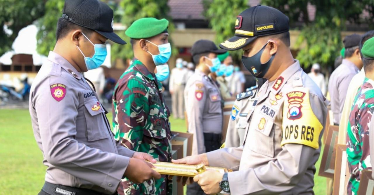 Tiga Pilar Pelopor Kampung Tangguh Terima Penghargaan Kapolres Jombang
