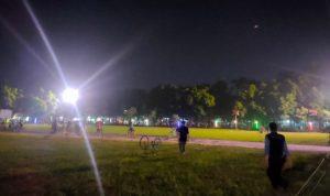 Petugas Gabungan Datang, Kerumunan Ratusan Pesepeda di Alun-alun Jombang Ambyar