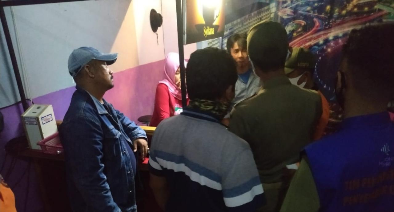 Temukan Karaoke Beroperasi, Satpol PP Kota Kediri Cabut Izin Jika Bandel