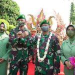 Kolonel Inf Waris Ari Nugroho Resmi Jabat Korem 081/Dhirotsaha Jaya