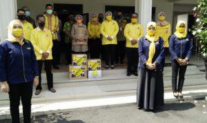 Golkar Bantu APD Tenaga Medis di Kabupaten Jombang
