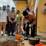 Kapolres Jombang Letakan Batu Pembangunan Musala Polsek Tembelang