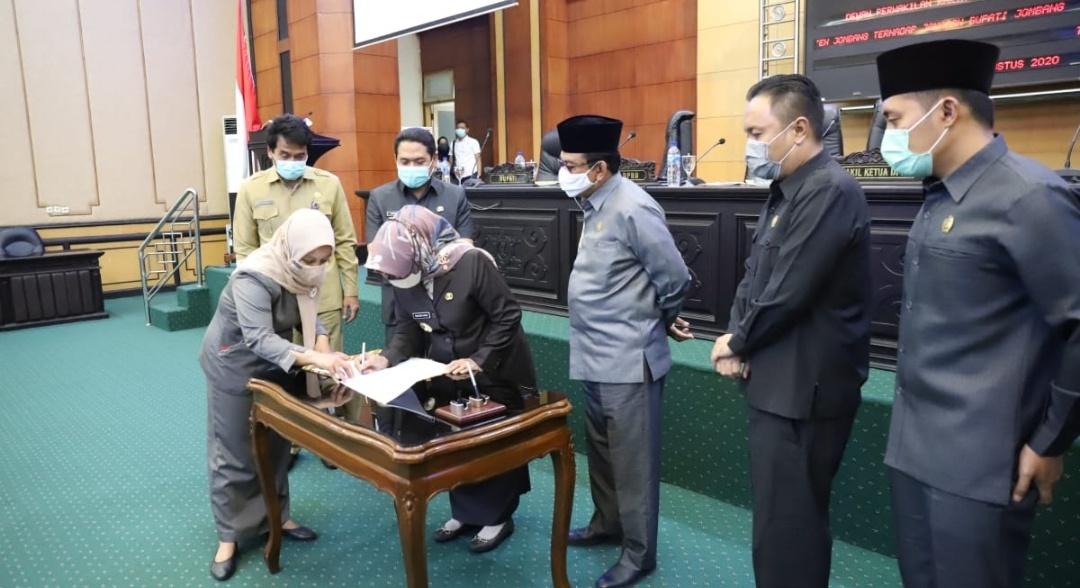 DPRD Jombang Tetapkan Tiga Raperda 2020 Usulan Bupati