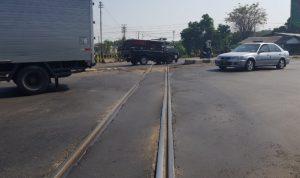 KAI Daop 7 Lakukan Perbaikan Jalur Rel KA di Perlintasan Mengkreng