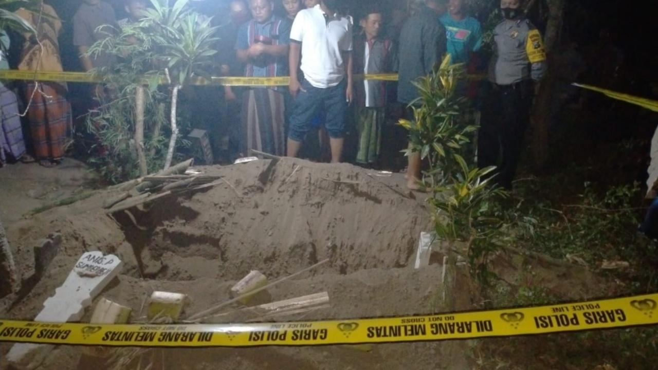Pencuri Kain Kafan Mayat di Jombang Gali Kuburan Pakai Piring