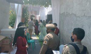 Satpol PP Kota Kediri Bubarkan Resepsi Pernikahan di Tengah Pandemi