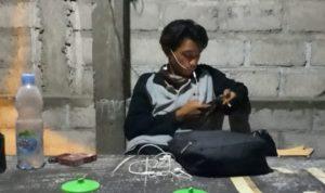 Singgah di Kediri, Herman Jalan Kaki Keliling Indonesia Pakai Kruk