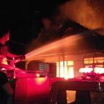 Rumah Kosong di Jombang Terbakar Akibat Korsleting Listrik