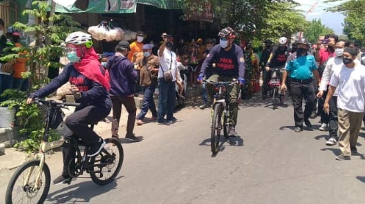 Gubernur Khofifah Gowes Dan Kampanye Masker di Kota Kediri