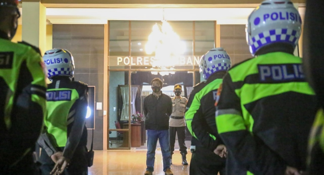 Polres Jombang Patroli Malam Penegakan Protokol Kesehatan, 20 Orang Ditegur