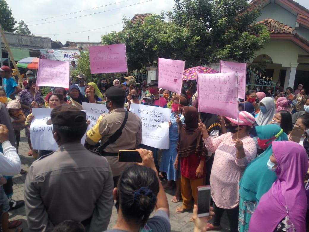 Demo Lanjutan, Warga Sumberagung Jombang Deadline Copot Perangkat