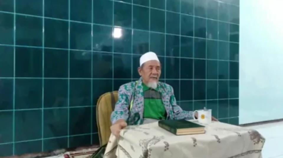 Innalillahi.. KH Moh Faruq Pengasuh Ponpes Al Bishri Denanyar Jombang Wafat