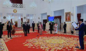 Presiden Jokowi Lantik 12 Duta Besar Luar Biasa di Istana Negara