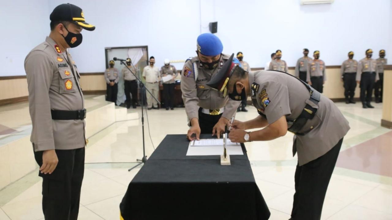 Kapolres Jombang Pimpin Sertijab Kabag Ops Dan Kapolsek Tembelang