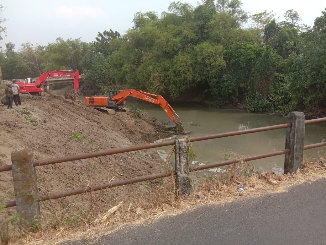 Dinas PUPR Kabupaten Jombang Tanggap Banjir Ngotok Ring Kanal