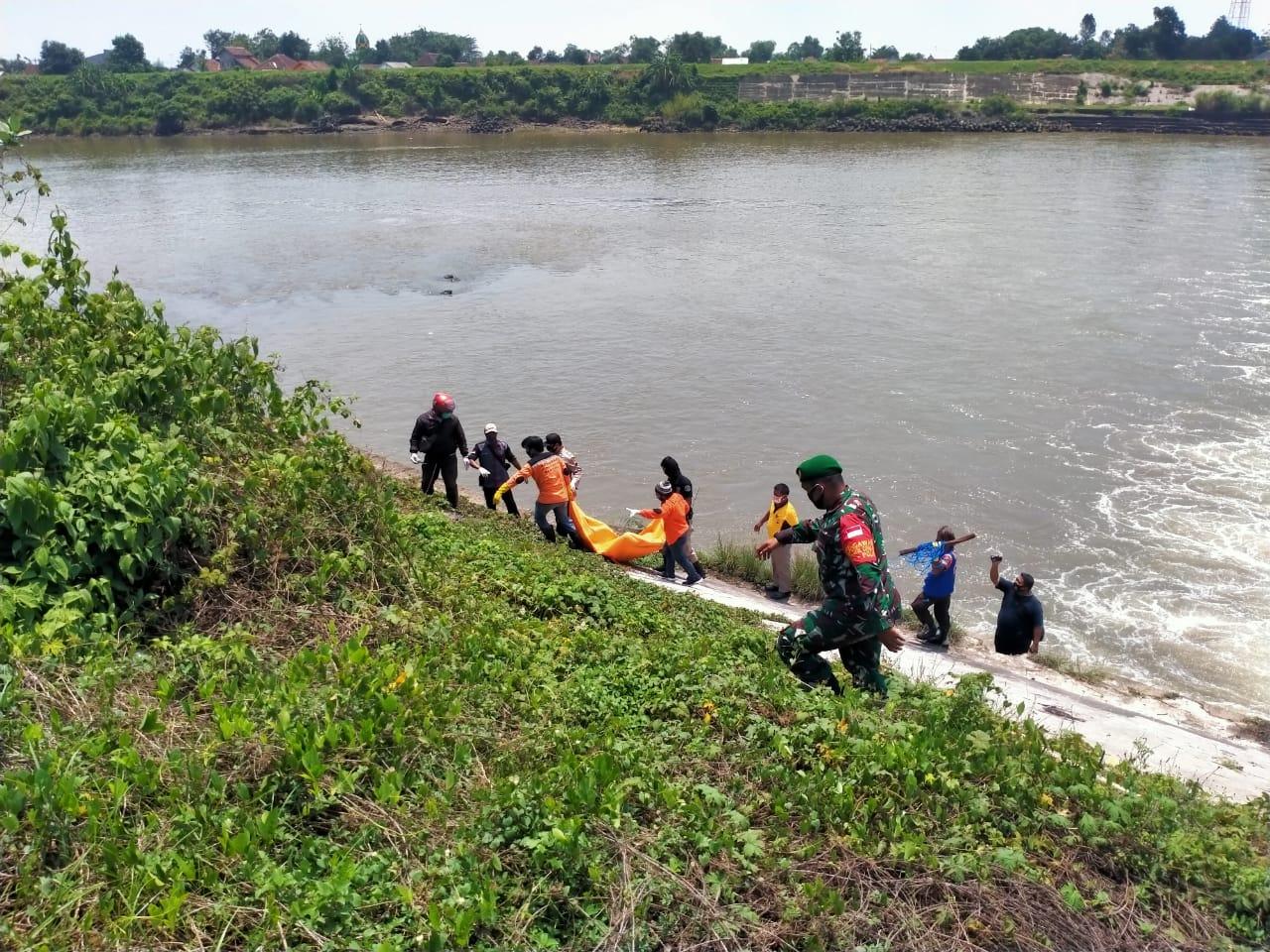 Mayat Pria Tanpa Celana Ditemukan di Bendungan Sungai Brantas Jombang