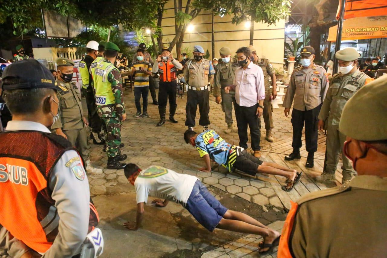 Patroli Cegah COVID-19 di Jombang Tindak 32 Orang Tak Pakai Masker