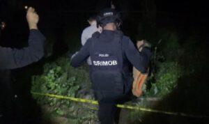 Tim Jibom Brimob Polda Jatim Evakuasi Granat Temuan Warga Jombang