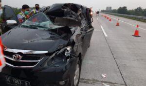 Avanza Ditumpangi Lima Orang Tabrak Truk di Tol Jombang, 1 Luka Berat